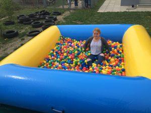 Aufblasbare Spiele Bällebad - HUPFHUPF Luftburgverleih